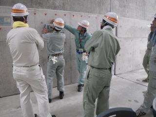 コンクリートの鉄筋探査